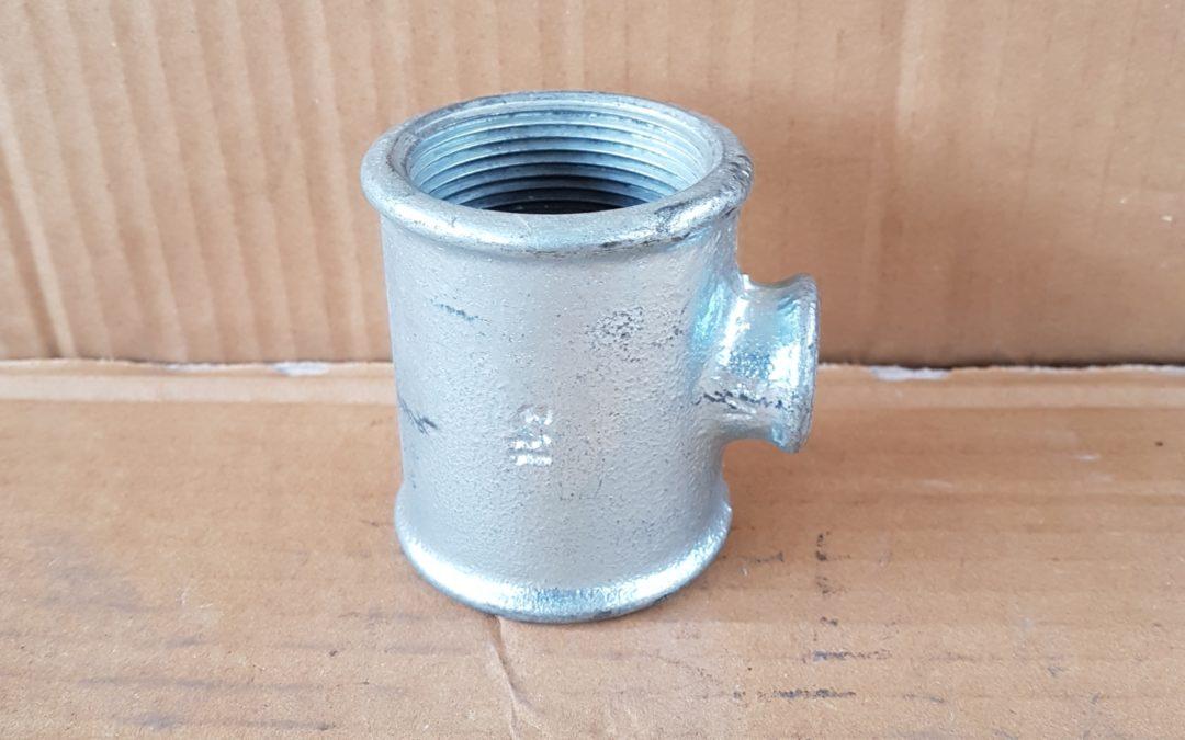 T a 90° ridotto in ferro 1.1/2×1/2×1.1/2