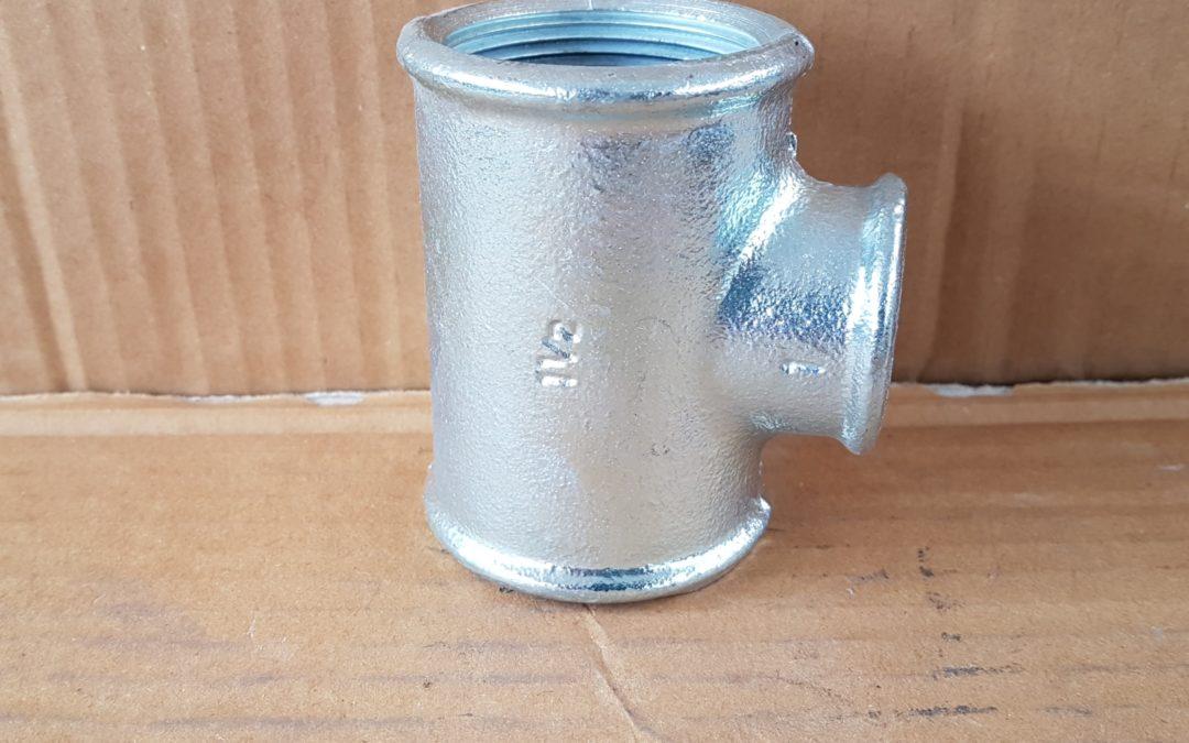 T a 90° ridotto in ferro 1.1/2x1x1.1/2