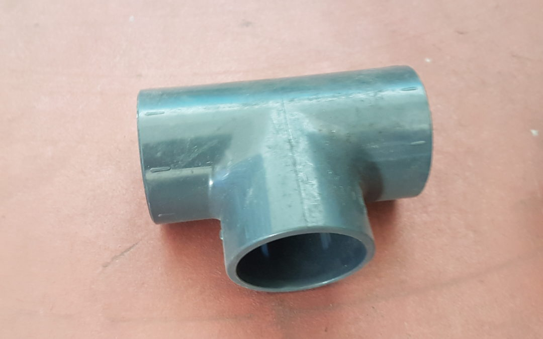 T a 90° in PVC D.50